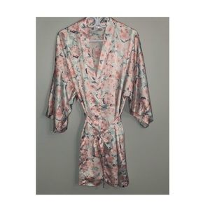 Other - Floral silky robe